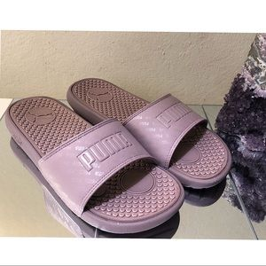 PUMA Slides Women Flats Sandals. Size 8
